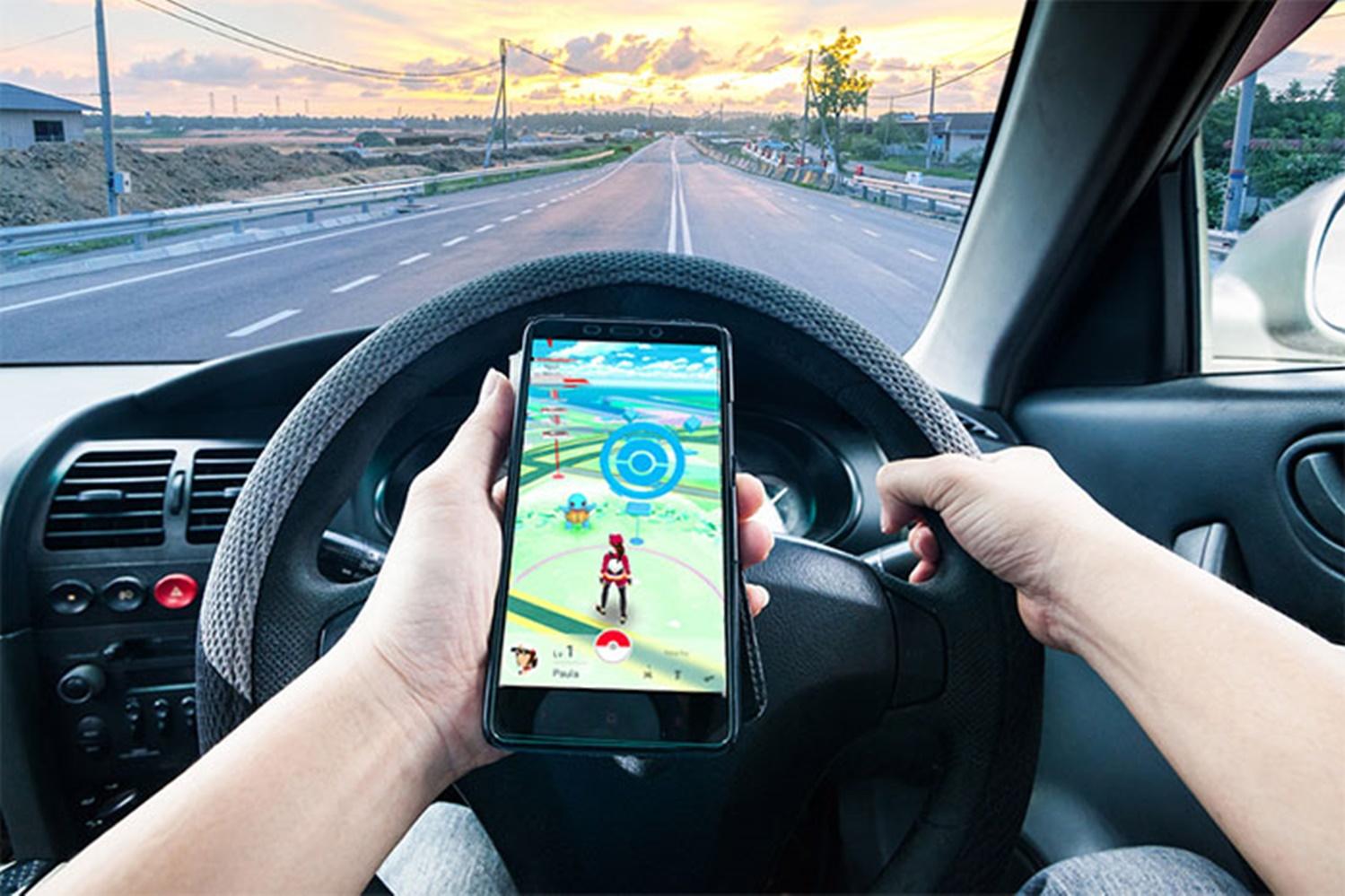 Imagem de Estudo responsabiliza Pokémon GO por US$ 7,3 bilhões em danos no trânsito no tecmundo