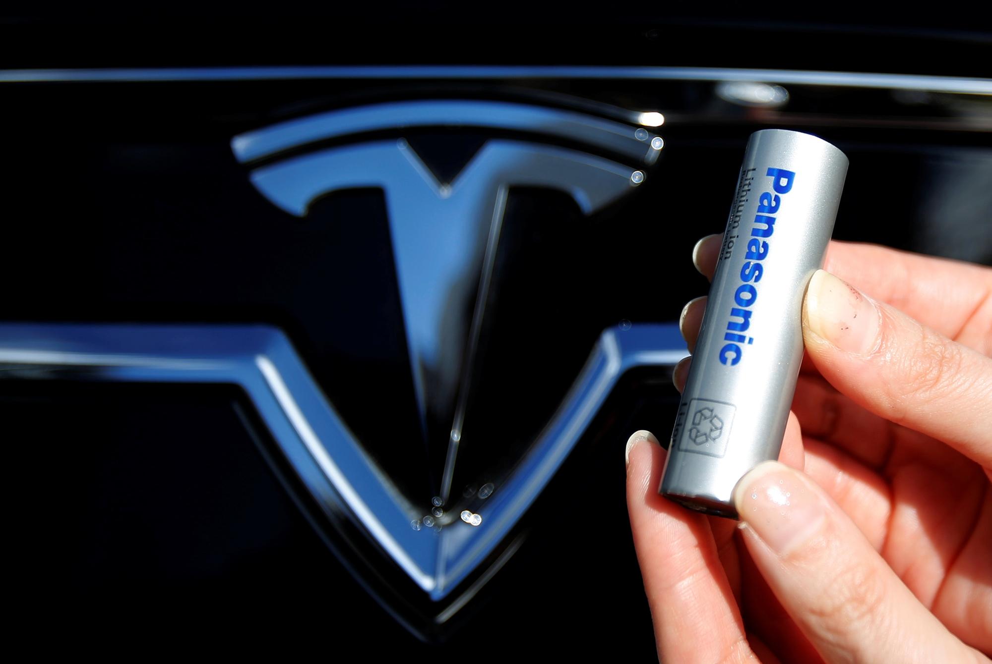 Imagem de Tesla pode estar acabando com todas as baterias do mundo no tecmundo