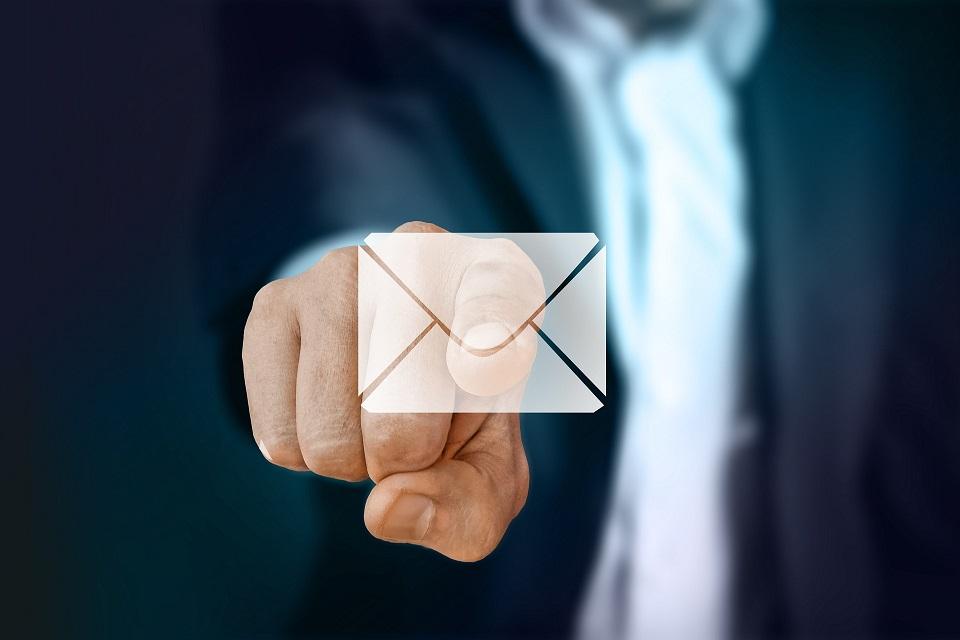 Imagem de Crie uma assinatura em HTML padronizada para as suas contas de e-mail no tecmundo