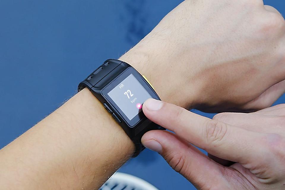 Imagem de Conheça o P1, o smartwatch da iWONfit que fez sucesso na CES 2018 no tecmundo