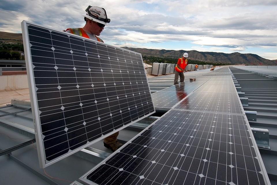 Imagem de Energia gerada por fonte fotovoltaica atinge 1 GW no Brasil no tecmundo