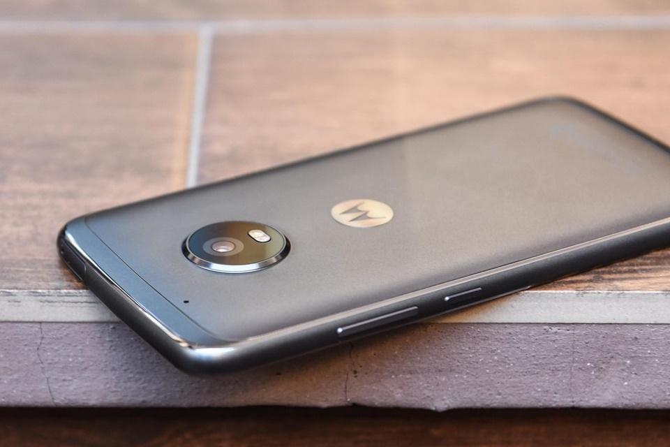 """Imagem de Falha de segurança encontrada na """"versão Amazon"""" do Moto G5 Plus no tecmundo"""