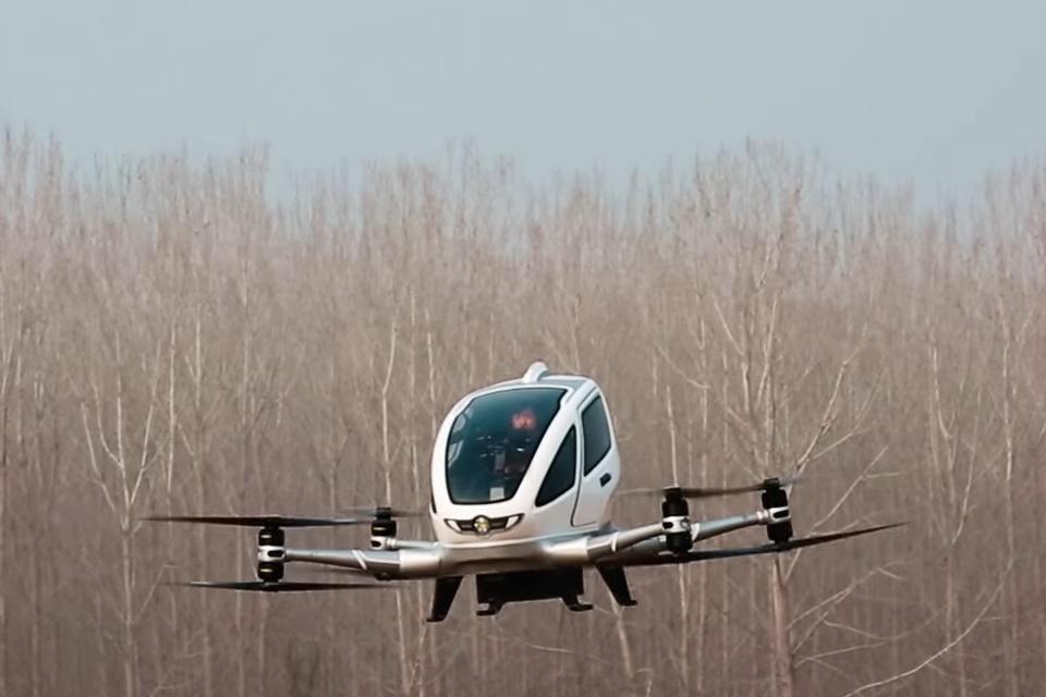 Imagem de Ehang mostra testes de voo do seu primeiro drone de passageiros [vídeo] no tecmundo