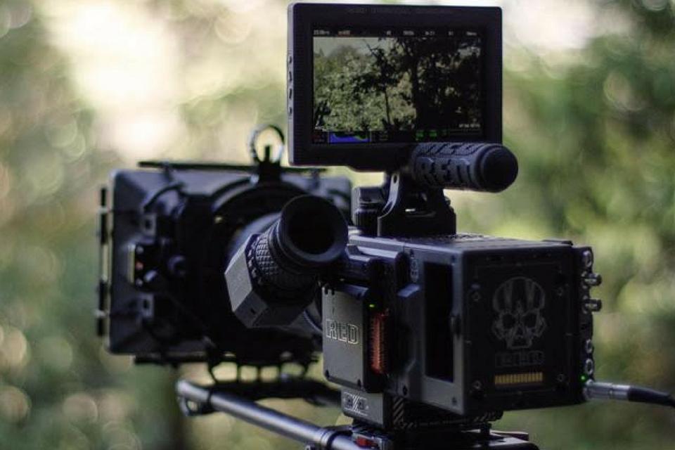 Imagem de A Foxconn quer se unir à RED para fabricar câmeras de cinema mais baratas no tecmundo