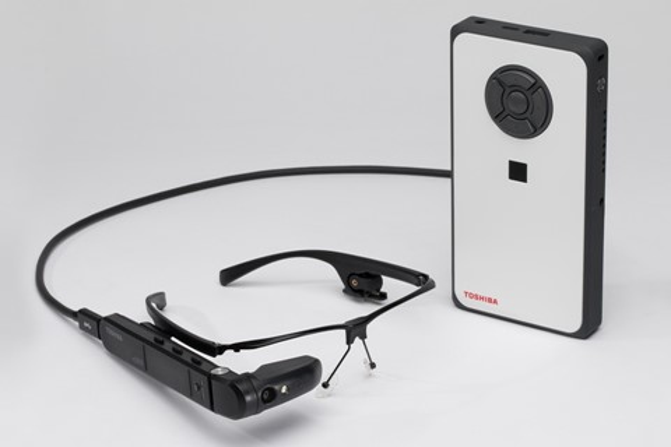 Imagem de Toshiba lança aparelho estilo Google Glass com tecnologia Windows no tecmundo