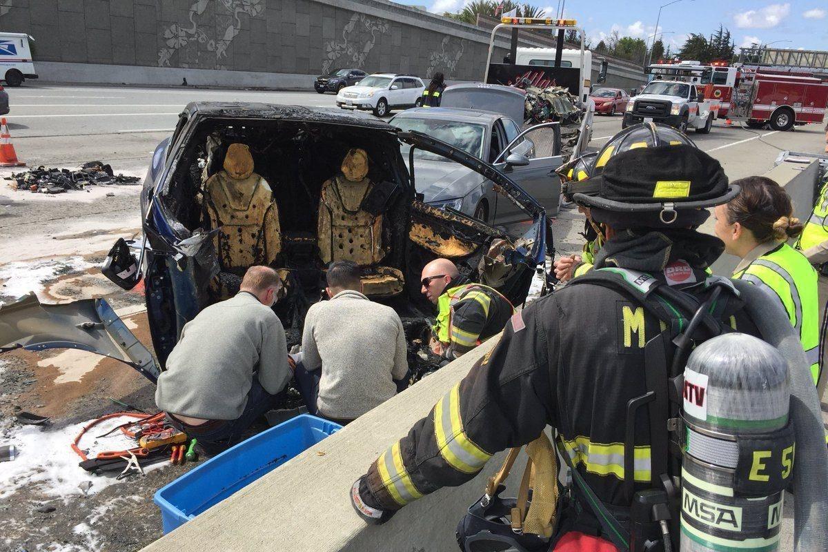 Imagem de Após acidente fatal com Model X, Tesla se pronuncia sobre o ocorrido no tecmundo