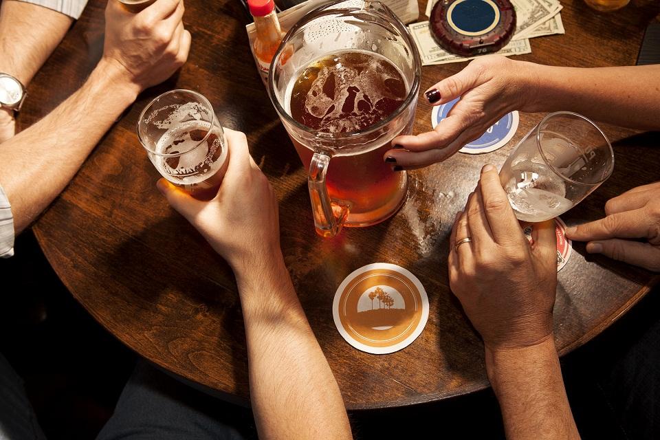 Imagem de Está bêbado!? Tatuagem temporária rastreia seus níveis de álcool no tecmundo