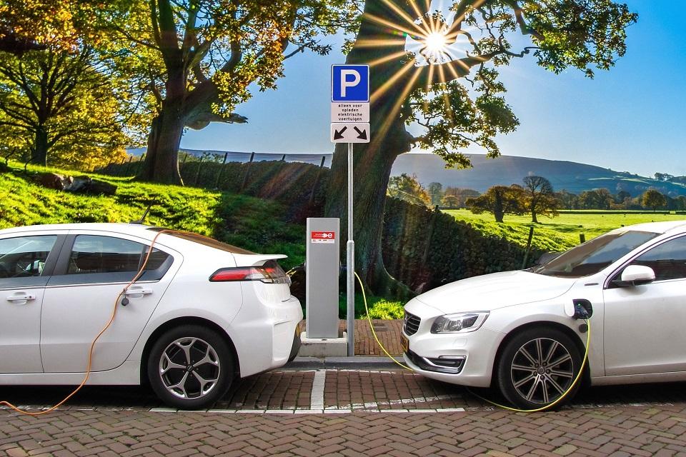 Imagem de Baterias da Tesla surpreendem ao manter capacidade em veículos elétricos no tecmundo