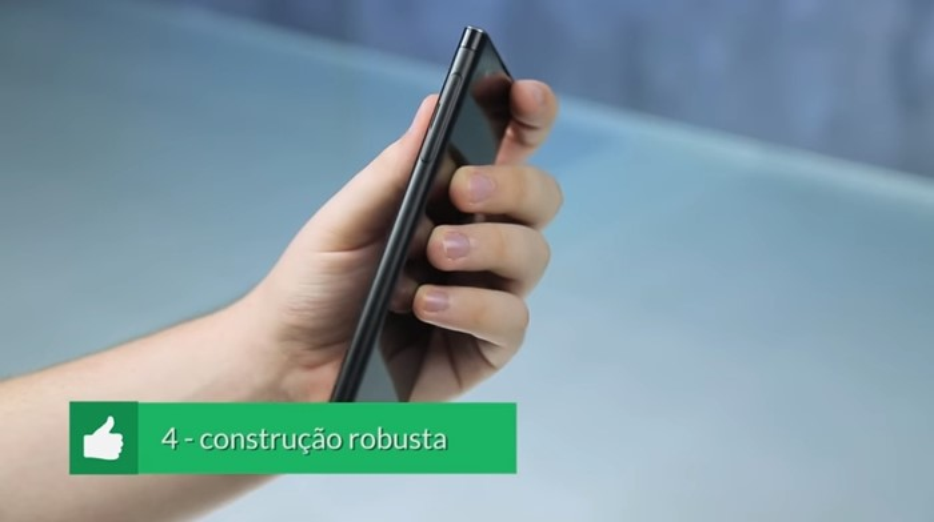 Sony Xperia XA1 Plus pros cons