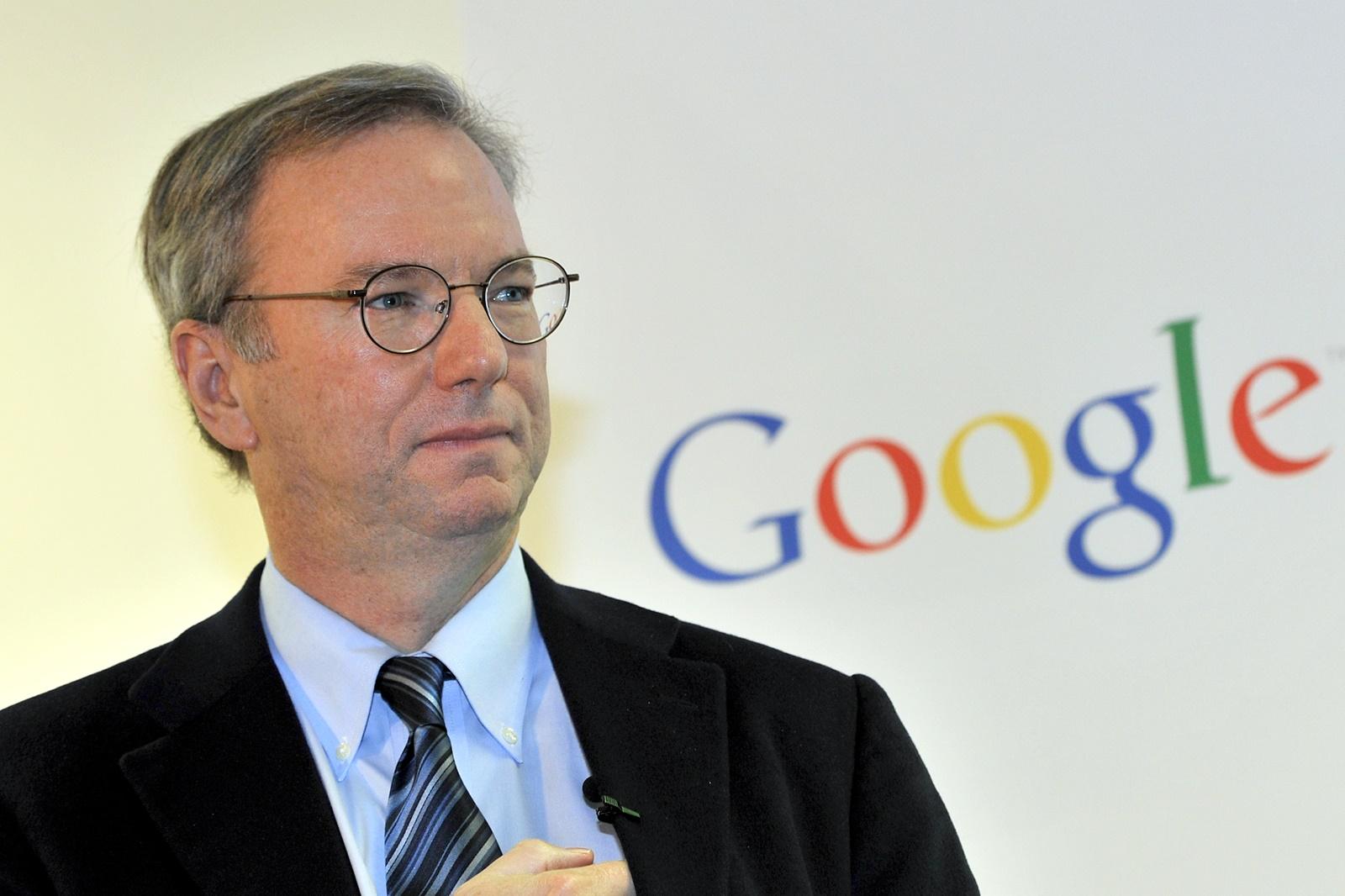"""Imagem de Eric Schmidt, ex-CEO da Google, diz que teremos """"duas internets"""" até 2028 no tecmundo"""