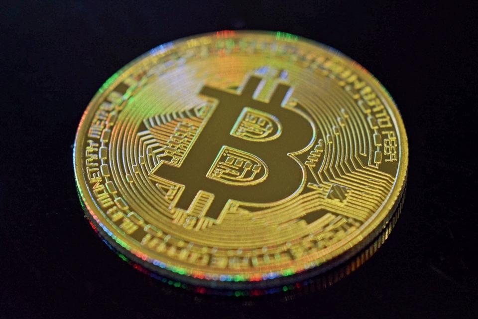 Imagem de XP Investimentos anuncia bolsa para compra e venda de criptomoedas no tecmundo