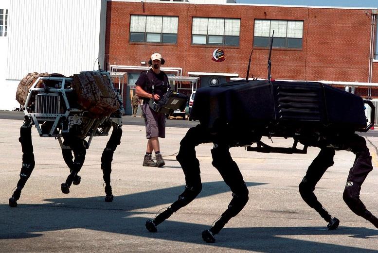 Dois robôs