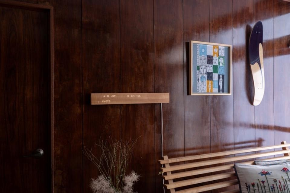 Imagem de Mui: a barra de madeira que é o centro de controle da sua casa inteligente no tecmundo