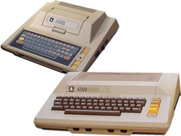 Dois computadores.