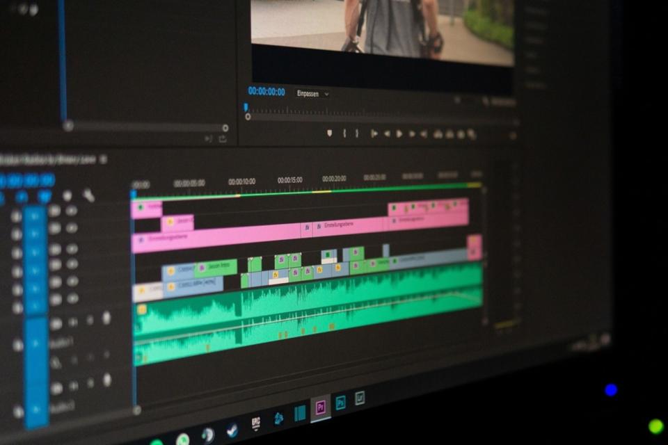 Imagem de Homem processa a Adobe após bug no Premiere deletar 100 mil arquivos no tecmundo