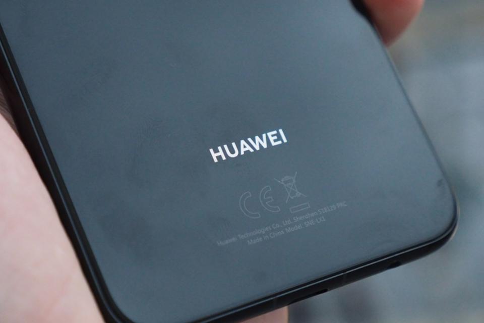 Imagem de Celular dobrável da Huawei já está sendo apresentado para operadoras no tecmundo