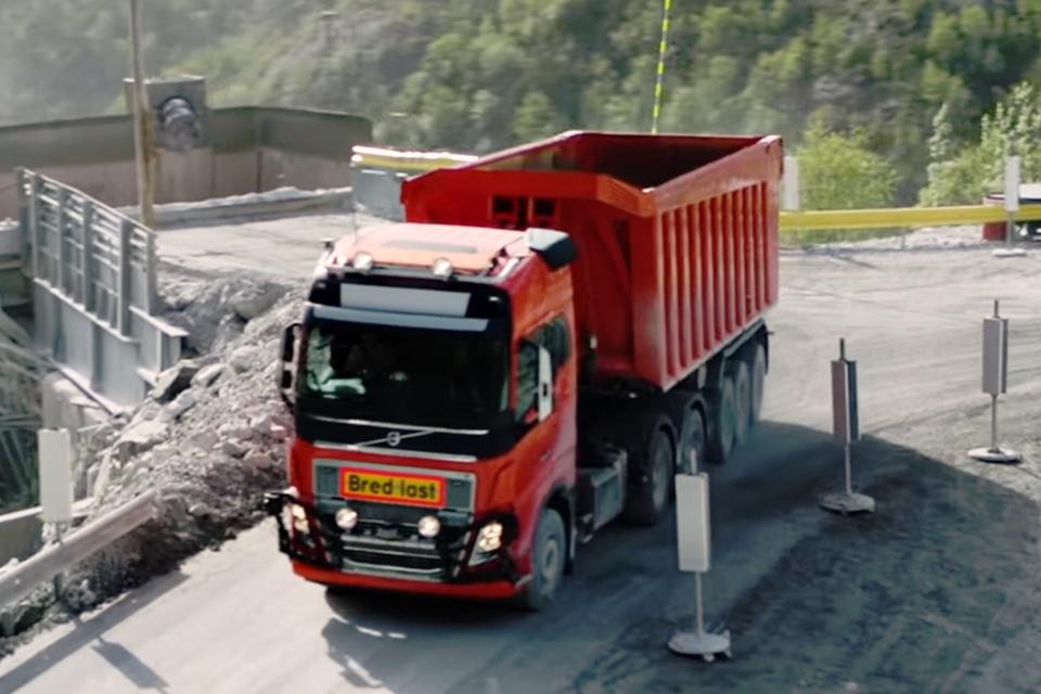 Imagem de Volvo anuncia serviço de transporte com frota de caminhões autônomos no tecmundo