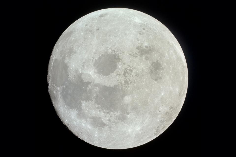 Imagem de Confira a superfície da Lua numa foto com 100 mega de resolução! no tecmundo