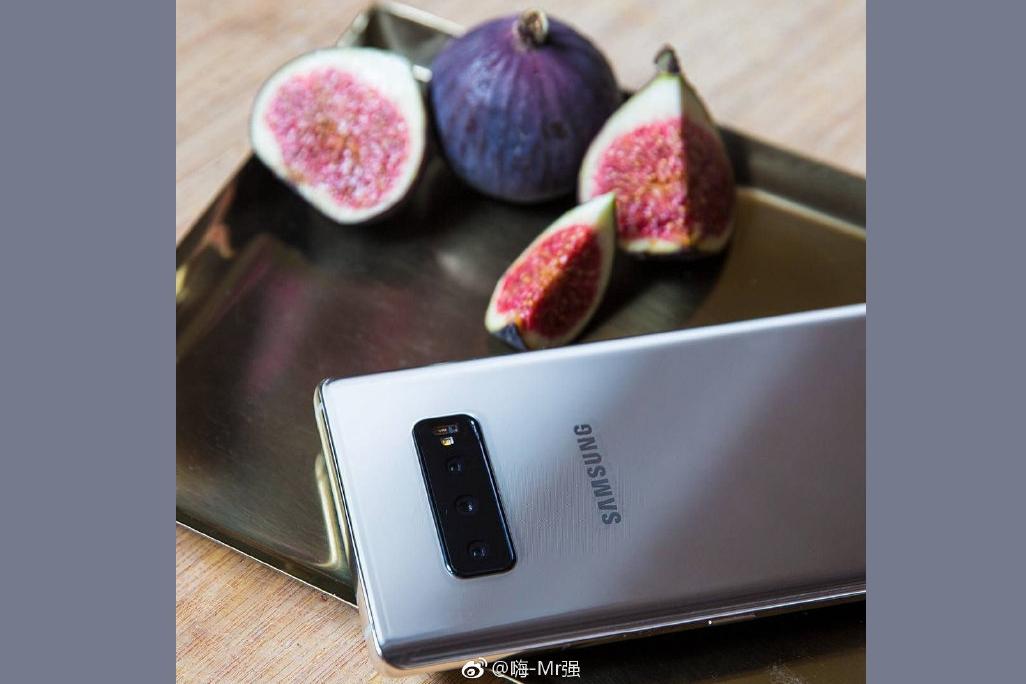 Imagem de Fotos de supostos Galaxy S10/S10+ mostram as partes de trás dos smartphones no tecmundo