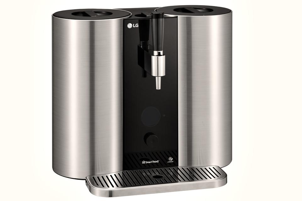 Imagem de LG HomeBrew realiza o sonho da cervejaria portátil caseira com cápsulas  no tecmundo