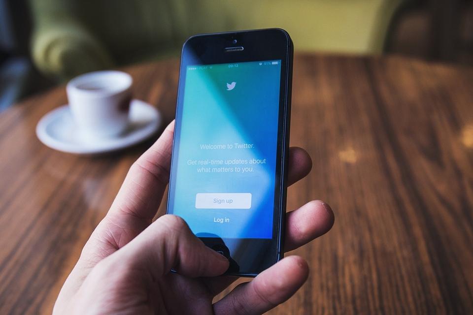 Imagem de Falha no Twitter expôs contas e tweets privados no Android desde 2014 no tecmundo