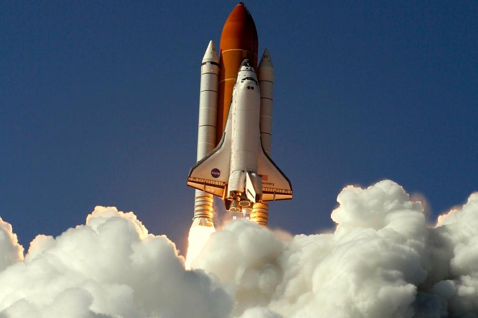 Imagem de Há 8 anos, o ônibus espacial Discovery fazia seu último voo para o espaço no tecmundo