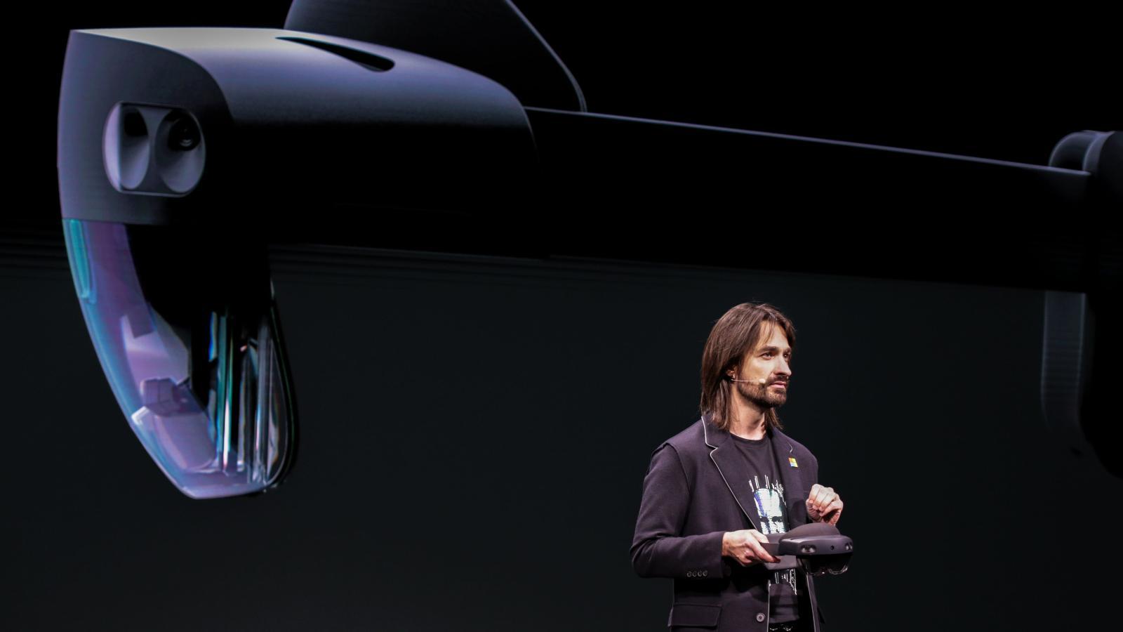Imagem de Brasileiro que criou o HoloLens conta como teve inspiração para seu visual no tecmundo