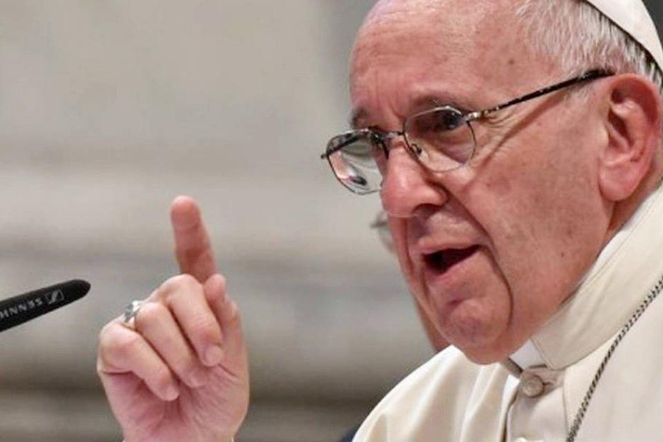 """Imagem de Papa Francisco pede para jovens """"se libertarem do vício do celular"""" no tecmundo"""