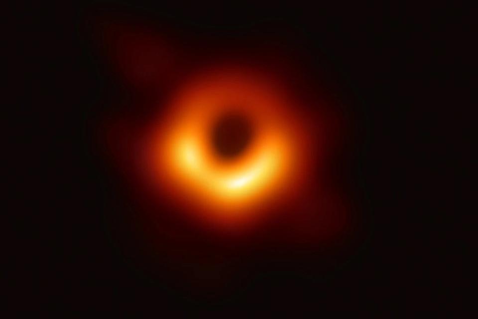 Imagem de Primeiro buraco negro fotografado ganha o apelido de Powehi no tecmundo