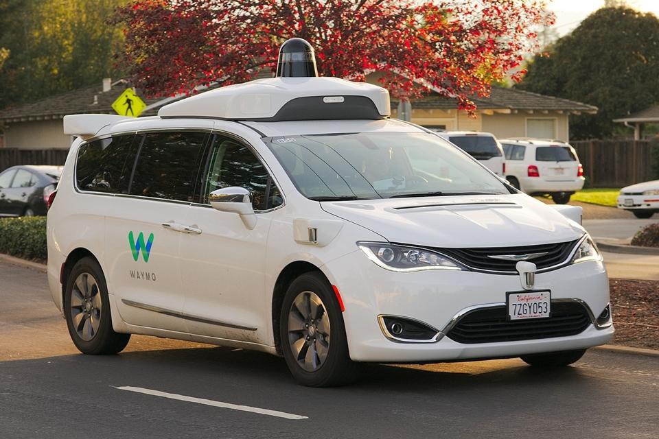 Imagem de Waymo levará seus carros autônomos elétricos para o app do Lyft no tecmundo