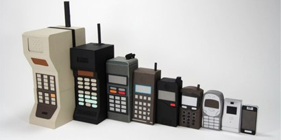 Imagem de A evolução dos celulares na forma de bonecas russas no site TecMundo